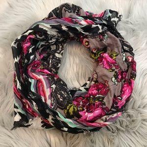 $10 CLOSET SALE❗️Cejon NWT Floral Scarf